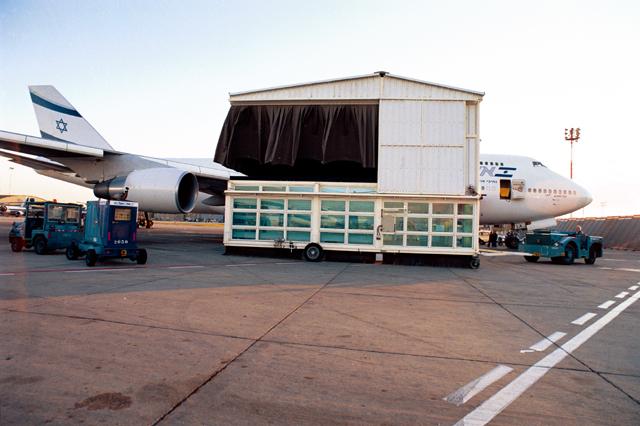 4.3.1.1 El Al 747 MEC .jpg